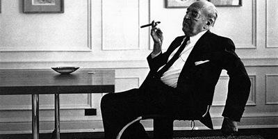 arquitecto-prestigioso-Ludwig-Mies-Van-Der-Rohe-minimalismo-