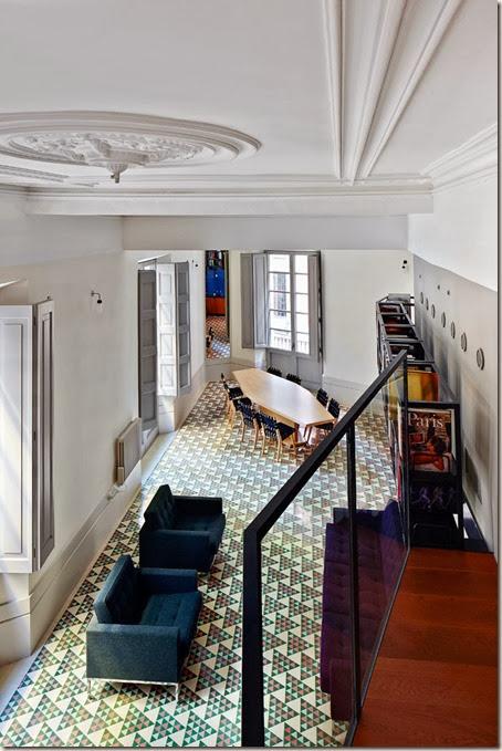 5-Carrer-Avinyo-David-Kohn-Architects-Barcelona-photo-Jose-Hevia-Blach-yatzer