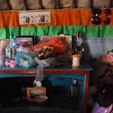中国・内モンゴル自治区に住むモンゴル族のゲル内。
