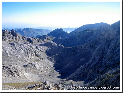 Jito Escarandi - Jierru 2424m - Lechugales 2444m - Grajal de Arriba y de Abajo (Picos de Europa) 0061