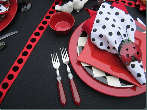 polka dot napkins i made them and a red cotton one from pb outlet flatware is cambridge those pier one birds are planning their dinner