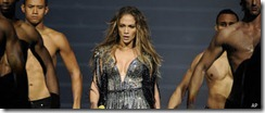 r-JENNIFER-LOPEZ-BREAKS-DOWN-large570