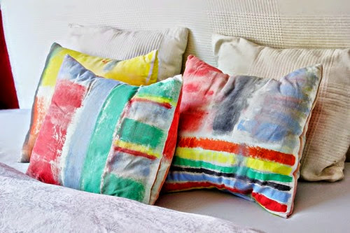 DIY-_-Brushstroke-Cushion-Covers-post-3