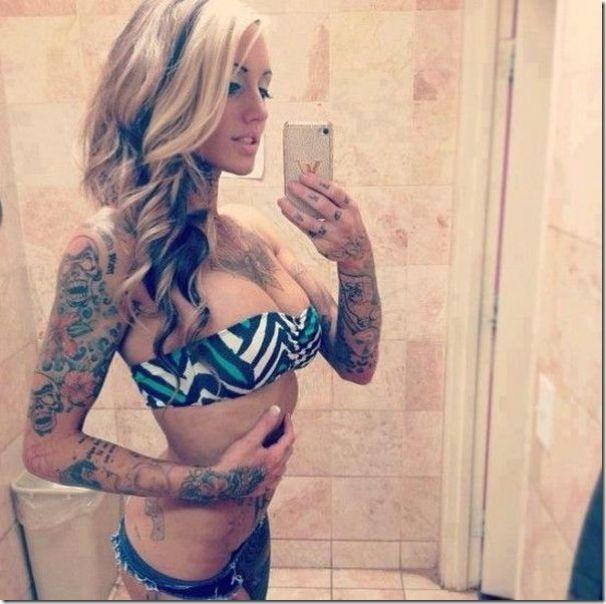 hot-tattoos-women-1
