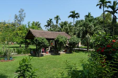 Cazare Nepal: Chitwan Paradise Lodge