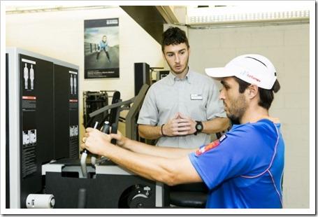 Kieser Training ayuda a prevenir las lesiones más frecuentes del pádel mediante la valoración fisioterapéutica y la valoración podológica.