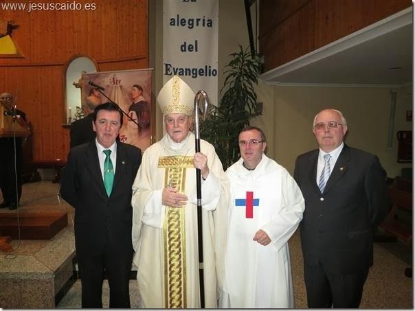 Dirigentes de nuestra Cofradía, el cardenal Amigo y el padre Rafael (Foto Trinitarios-Aluche)
