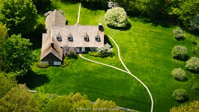 ridgefield-connecticut-cottage.jpg