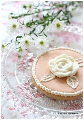 עוגיית חמאה עם ורד
