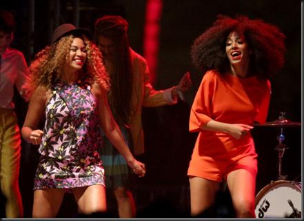 Beyonce_Solange_Knowles_Coachella20141