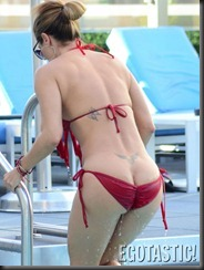 jennifer-nicole-lee-red-bikini-poolside-in-nyc-09-675x900