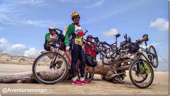 Pausa no pedal - Praia de Malembá
