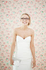 Bride Nicole looks perfectly comfortable and cute in her spectacles. (Photo courtesy Olive Juice Studios, originally from stylemepretty.com)