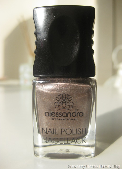 Alessandro-metallic-gold-polish