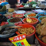 街の市場には様々な食材が並ぶ。南京にて撮影。