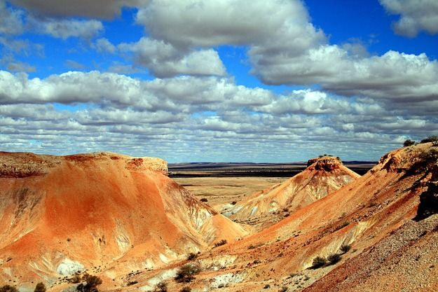Painted Desert - Australian outback near Coober Pedy