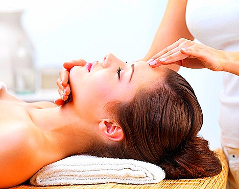 The Sloane Clinic Bespoke Facial Massage Oxygen Fast Fix Singapore Marina Bay Sands