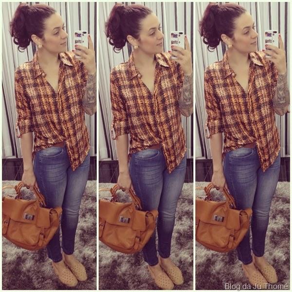 look básico jeans e camisa estampada (1)