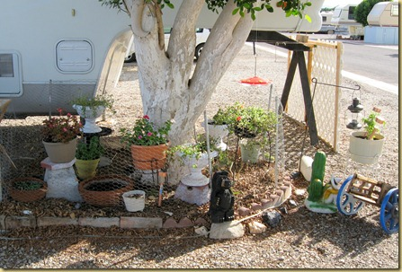 2011-10-29 - AZ, Yuma - Cactus Gardens - Constructing Plant Tables (2)