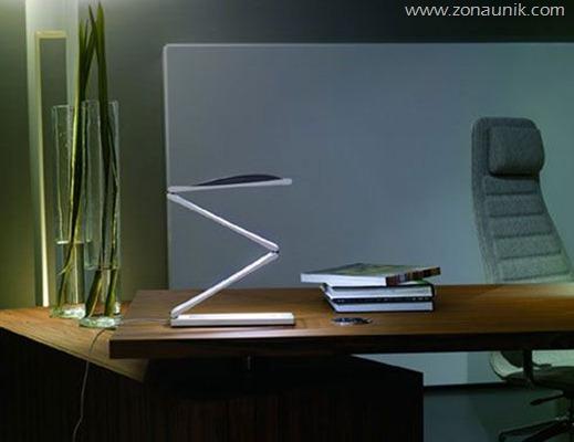 nemo_chain_led_lamp_desk