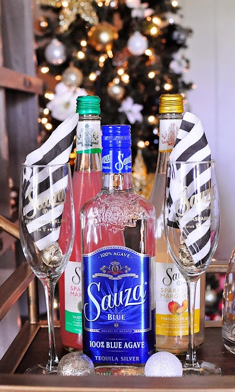 Sauza Sparkling Margaritas review and entertaining ideas over at www.monicawantsit.com