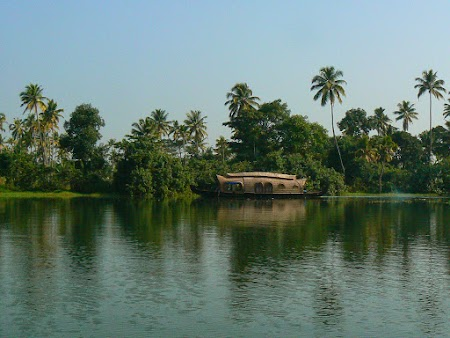 09. Kerala backwaters, India.JPG
