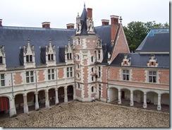 2004.08.28-024 façade intérieure du château