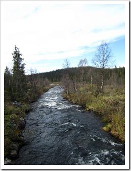 Vattnet heter Njáhkájåhkå här nedströms...