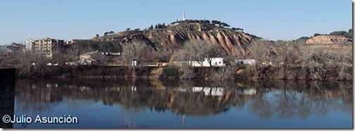 Vista del cerro de Santa Barbara sobre el río Ebro - Tudela