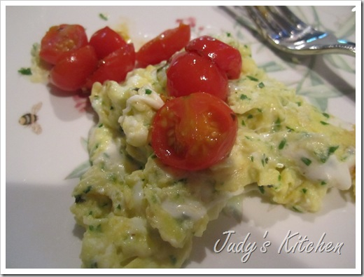 cr cheese eggs & tomatoes
