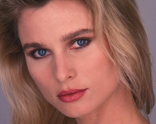 Nicole Sheridan 1990Photo Credit: Ian Miles_Shooting Starª