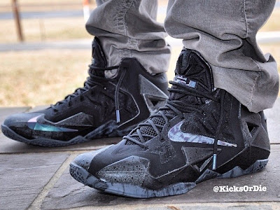 nike lebron 11 gr triple black 6 01 Does a Sellout Make Shoe a Must Have Based on LeBron 11 Blackout?