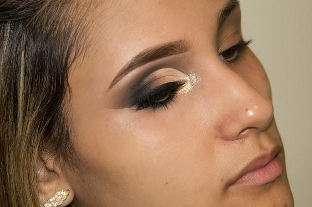 maquiagem neutra cut crease