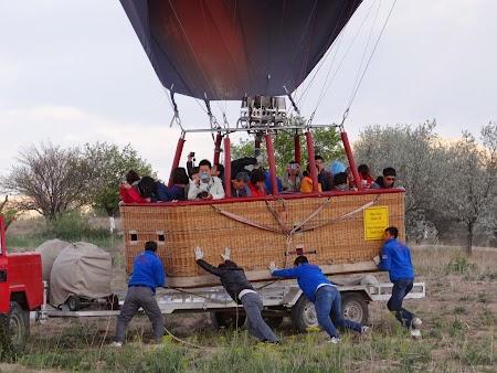 32. Aterizarea unui balon.JPG