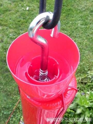 diy ant trap for hummingbird feeder