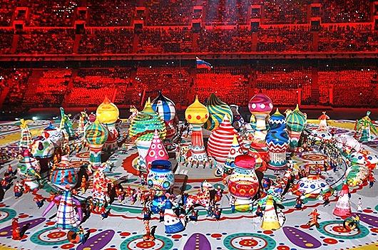 Артисты-во-время-театрализованного-представления-на-церемонии-открытия-XXII-зимних-Олимпийских-игр-в-Сочи-41