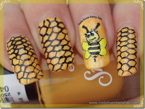 honeycomb and bee 3