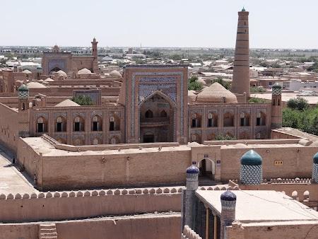 22. Medrese din Khiva.JPG