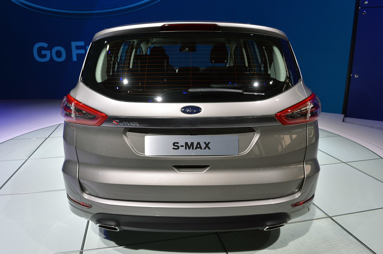 Yeni Ford S-MAX ve makyajlanan C-MAX / Grand C-MAX Paris'te