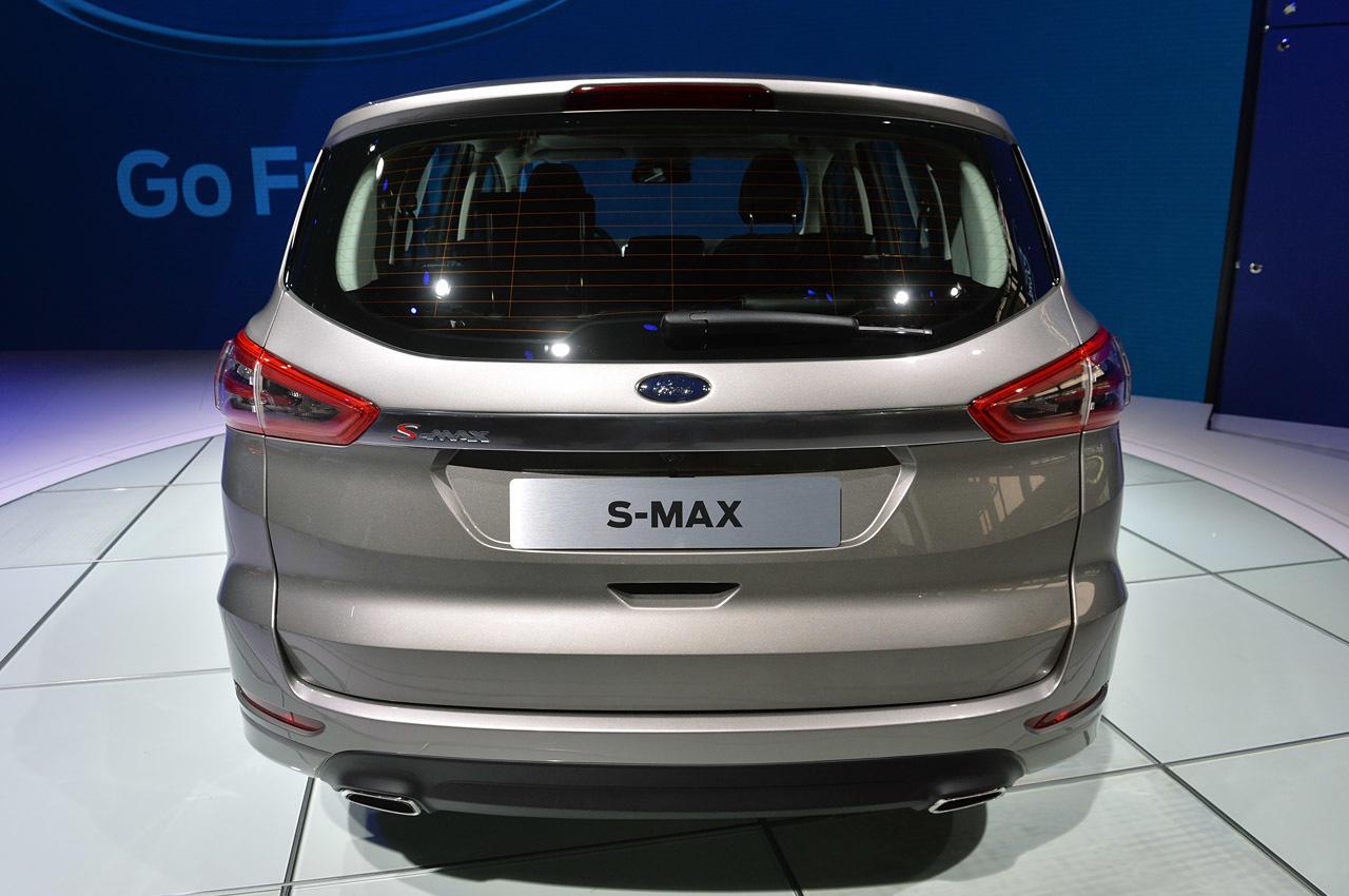 yeni ford s max ve makyajlanan c max grand c max paris te Car Tuning
