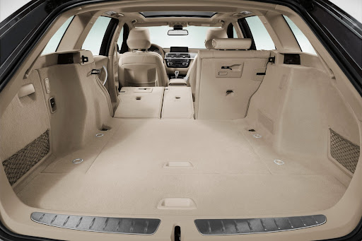 2013-BMW-3-Series-24.jpg