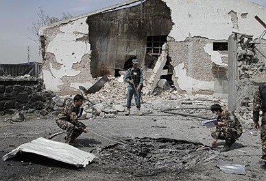 ap_afghanistan_kabul_bombing_02may12_480