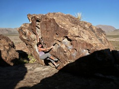 Working out the moves on Blues Clues - V1, Hueco Tanks.