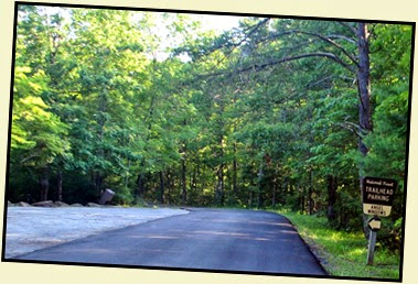 01 - Angel Window's Trailhead Parking