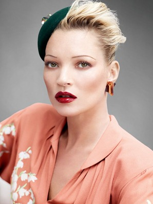 Kate_Moss_by_Mario_Testino_(A_La_Mode_-_UK_Vogue_August_2011)_5