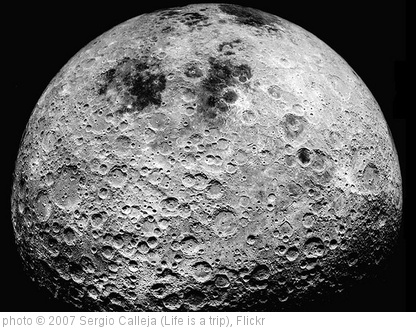 'The dark side of the Moon (Next to the Moon - Apollo 16)' photo (c) 2007, Sergio Calleja (Life is a trip) - license: http://creativecommons.org/licenses/by-sa/2.0/