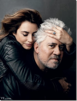pedro-almodovar-with-penelope-cruz-broken-embraces (1)
