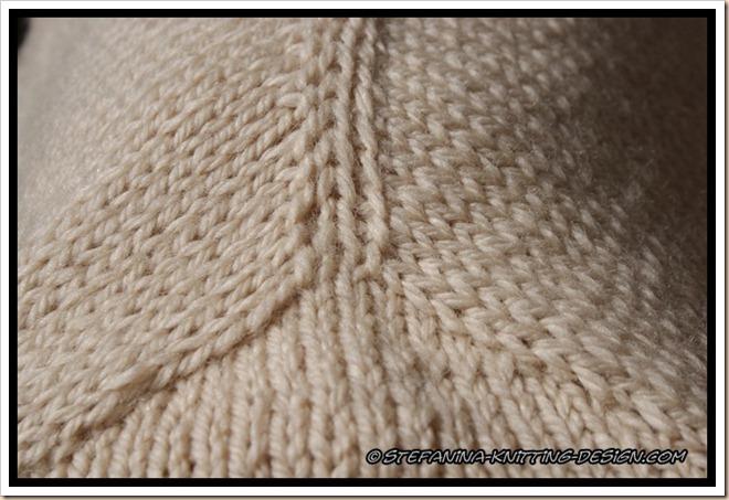 M'zelle cardi - contiguous sleeve detail