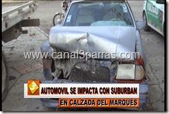 IMAG. AUTOMOVIL SE IMPACTA CON SUBURBAN EN CALZADA DEL MARQUES.mp4_000005338