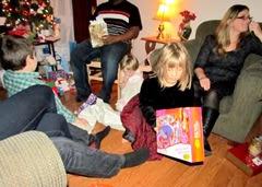1311109 Nov 09 Jessica Opens A Gift